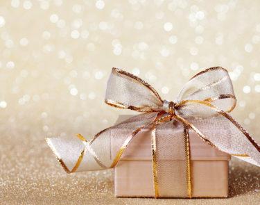 【男性必見】女性にジュエリーをプレゼントする際のポイントや注意点を解説!