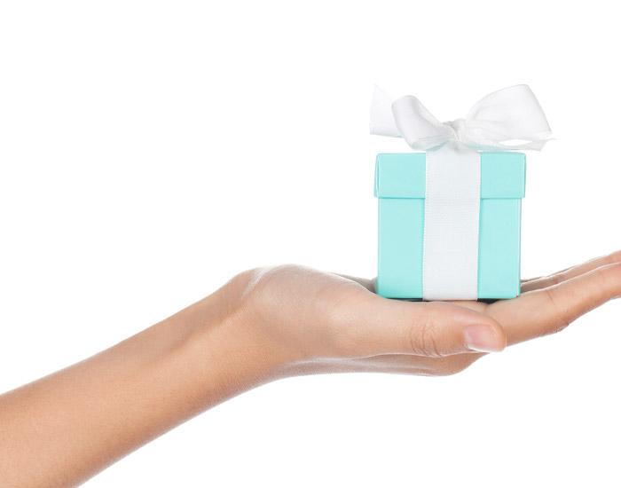 結婚記念日のプレゼントの予算はどれくらい?